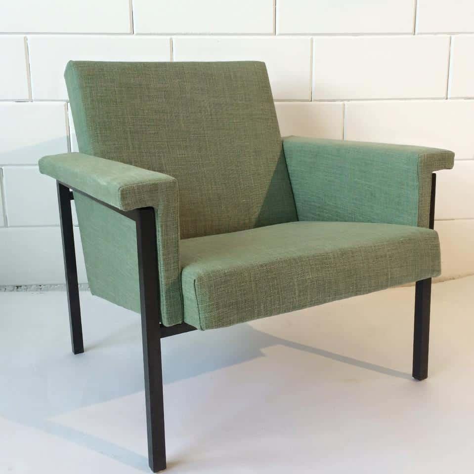 Met linnen gestoffeerde stoel 3
