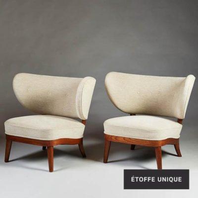 Met linnen gestoffeerde stoelen