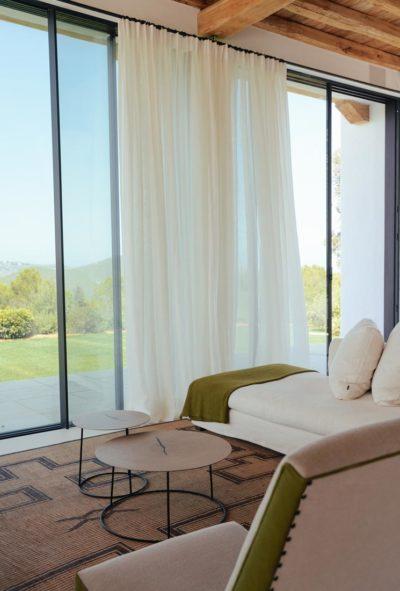 Warme woonkamer met uitzicht over Ibiza - St Juan Ibiza