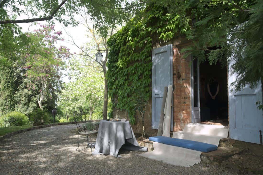 Ontvangst met linnen rollen stof - La Saracina