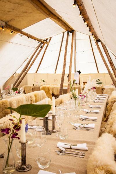 Dinner in een tipi-tent - MEK styling