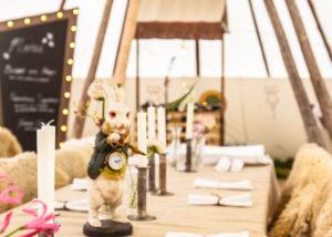 Linnen tafellaken Alice in Wonderland diner - MEK Styling