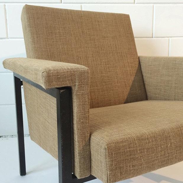De Berlin Gold toegepast op een fauteuil van Loods 5